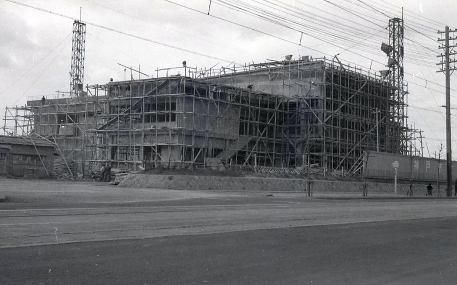 本館の竣工