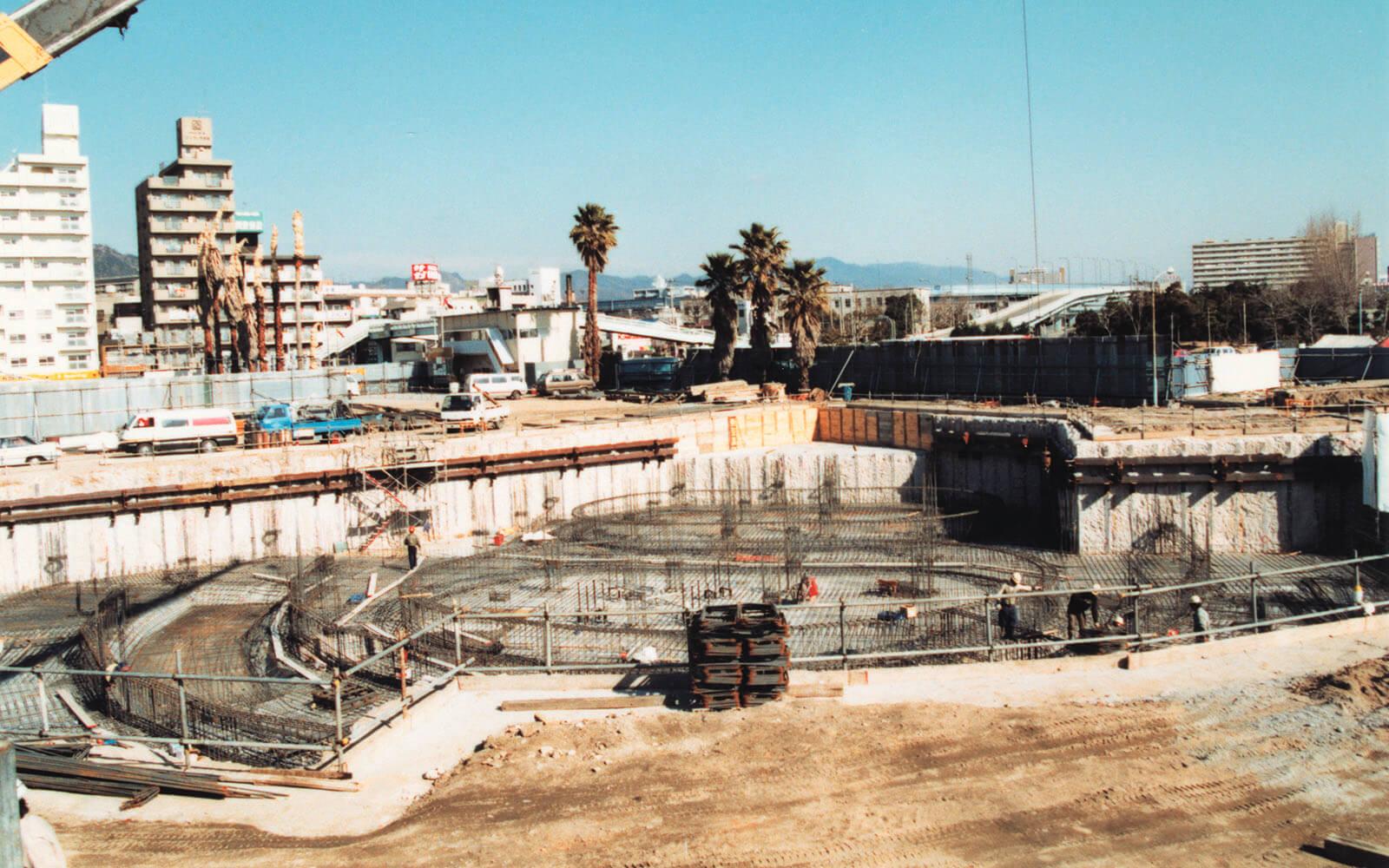 建設中のイルカライブ館